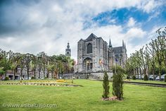 Saint Waltrude church in Mons, Belgium. Mons Belgium, Ypres Belgium, In 2015, Antwerp, Bergen, Mansions, House Styles, City, World