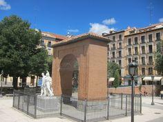Plaza del Dos de Mayo. Madrid by voces, via Flickr