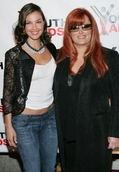 Photos of Famous Celebrity Sisters: Wynonna Judd and Ashley Judd