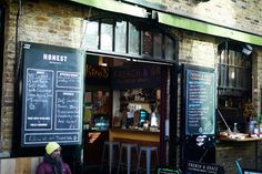 Cocktails and Caroline: Leaping onto the burger bandwagon - Honest Burgers, Camden
