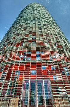 Torre – Agbar Tower, Barcelona (Spain) via flickr it was designed by French architect Jean Nouvel in association with the Spanish firm B720 Arquitectos and built by Grupo ACS (Wikipedia)