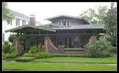 Pasadena style airplane bungalow by FL Architect Fan, via Flickr