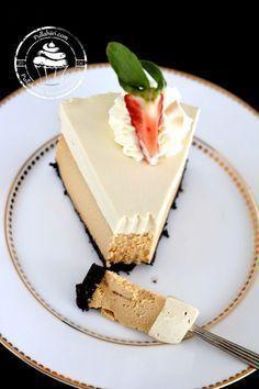 Tästä kakusta laitoinkin jo kuvaa tuonne Instagramin puolelle jonkin aikaa sitten. Kovasti reseptiä jo kyseltiinkin tuon kuvan perus... Caramel Cheesecake, Sweet Bakery, No Bake Desserts, Diy Food, Let Them Eat Cake, Pie Recipes, Cake Decorating, Sweet Tooth, Food And Drink