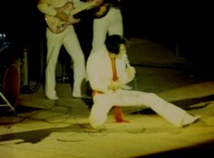 Elvis in concert in Los Angeles in november 14 1970. Bad quality picture , but an Elvis picture more for your collection :))