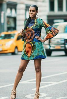 The chic African dress – opt for the ethnic chic trend - Mode et Beaute African Fashion Designers, African Inspired Fashion, African Dresses For Women, African Print Dresses, African Print Fashion, Africa Fashion, African Attire, African Wear, African Fashion Dresses