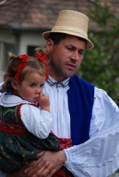 Széki viselet - Erdély Budapest, Folk Dance, Natural Scenery, Folk Costume, People Of The World, Art And Architecture, Hungary, Folk Art, Beautiful People