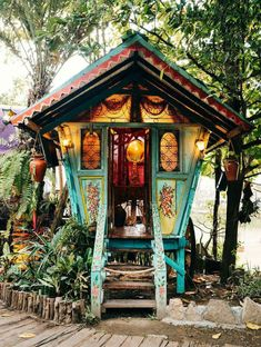 More ideas below: Amazing Tiny treehouse kids Architecture Modern Luxury treehouse interior cozy Backyard Small treehouse masters Plans Photography How To Build A Old rustic treehouse Ladder diy Treeless treehouse design architecture To Live In Bar Cabin Tree House Designs, Tiny House Design, Home Design, Design Ideas, Interior Design, Tiny House Shed, Running Away From Home, Cozy Backyard, Backyard Ideas