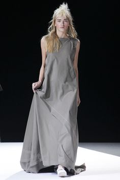 Yohji Yamamoto Spring 2013 Ready-to-Wear Collection Photos - Vogue