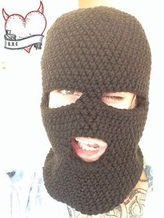 Free crochet ski mask by Crochet Cauldron. This FREE pattern can be found HERE.