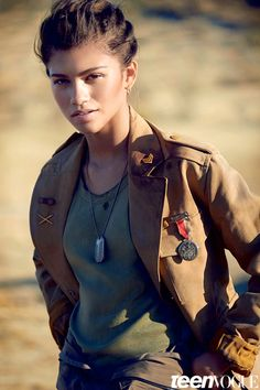 SLF Mag - Fashion Editorial: Military Girl Zendaya for Teen Vogue February Moda Zendaya, Zendaya Mode, Zendaya Outfits, Zendaya Style, Zendaya Album, Zendaya Swag, Zendaya Photoshoot, Zendaya Hair, Zendaya Coleman
