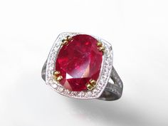 An Important Unheated Ruby & Diamond Ring goes up for auction this Sunday at Federal Auction's Live Fine Jewellery & Swiss Watch Auction in Calgary.  Join us on Sunday July 24th, 2016, 1pm at Carriage House Inn, 9030 Macleod Trail South Calgary.  For more info, please visit www.federalauction.ca/Calgary #unheatedruby #diamonds #cartier #breitling #auction #rolex #swisswatch #watch #watchesofinstagram #gold #raregems #pinkdiamond  #luxury #federalauctionservice #gia #calgary
