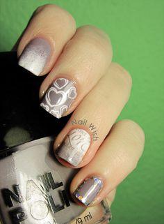 Nail Wish: Reto Oh Oh Oh #8: Regalos.  Bundle Monster stamping LOVE Romantic nail art.