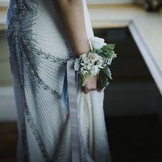 Wrist corsage for bride Alternative Bouquet, Wrist Corsage, Florals, One Shoulder Wedding Dress, Our Wedding, Wedding Dresses, Fashion, Dress Wedding, Wedding Bride