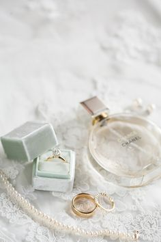 Engagement ring and wedding band inspiration. Engagement ring and wedding band inspiration. Wedding Ring Box, Wedding Men, Trendy Wedding, Wedding Bands, Gold Wedding, Wedding Venues, Wedding Ring Photography, Band Photography, Jewelry Photography