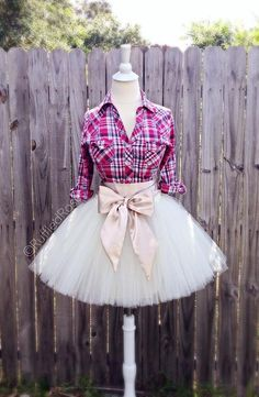Minus that horrible bow. Plus a purple, black and white flannel and a pair of boots. This my wedding dress ~ L Easy Hairstyles For Medium Hair, Medium Hair Styles, Prom Buns, Shoulder Length, Skirt Fashion, Tutu, Bangs, Fashion Women, Ball Gowns
