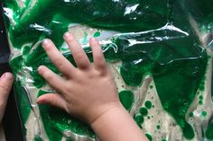 Add a sensory aspect to your science explorations! Let your kids learn about oil and water with this oil and water sensory bag for mess free science fun! Activities For 1 Year Olds, Sensory Activities Toddlers, Science Activities For Kids, Infant Activities, Science Fun, Learning Activities, Baby Sensory Bags, Baby Sensory Play, Sensory Wall