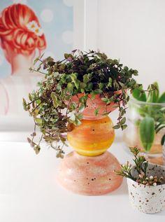 DIY cerámica plantador tótem lookalike e Ikea hackear a través Somos Scouts