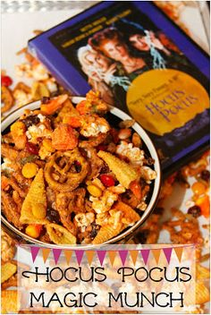 Hocus Pocus Magic Munch Mix This Magic Munch Mix is inspired by my favorite Halloween movie: Hocus Pocus. Perfect for movie night snacking or package in snack bags for a spookily delicious treat! Halloween Movie Night, Halloween Food For Party, Halloween Treats, Halloween Halloween, Halloween Table, Halloween Signs, Vintage Halloween, Halloween Food Recipes, Halloween Makeup