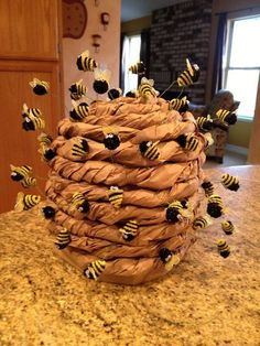 Lots of inspiration, diy & makeup tutorials and all accessories you need to create your own DIY Bee Hive Costume for Halloween. Helped my buddy make this Bee Hive hat queen bee Elephant With Moving Trunk Craft Want to do crafting here show you 15 excelle Kids Crafts, Crafts For Kids To Make, Art For Kids, Diy And Crafts, Kids Diy, 3 Kids, Recycled Crafts, Decor Crafts, Valentine Crafts For Kids