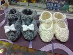 Manetes d'Or: Tutorial patuquitos a dos agujas. Knitting For Kids, Free Knitting, Baby Knitting, Crochet Baby, Knitting Patterns, Knit Crochet, Knitted Booties, Knit Shoes, Bebe Baby
