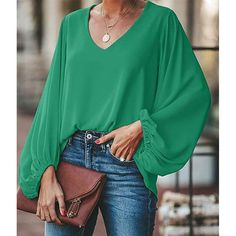 plus size blouse women puff sleeve solid color womens tops and blouses Summer 2019 v neck casual loose top blusas mujer, green / XXXL Blouse Styles, Blouse Designs, Casual Chic, Bluse Outfit, Green Blouse Outfit, Plus Size Blouses, Look Chic, Look Fashion, Shirt Blouses