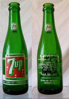 Vintage 1959 7 Up Soda Bottle Soda Bottles, Glass Bottles, Soda Machines, Medicine Bottles, Mineral Water, Vintage Bottles, Maturity, Going Home, Pepsi