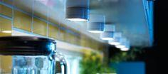 Oświetlenie GRUNDTAL zamontowane pod szafką kuchenną