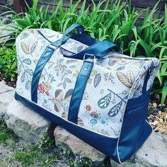 L'aura Fée sur Instagram: Le #sacboston de @patrons_sacotin adapté pour ranger les affaires de bébé 🧚♀️ #laurafee #faitmain #passioncouture #handmade #homemade…