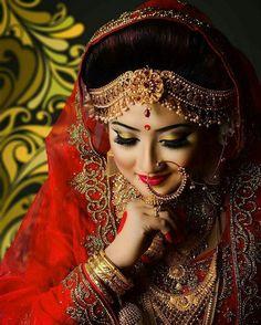 Indian Bridal Photos, Indian Bridal Fashion, Indian Bridal Wear, Pakistani Bridal, Covet Fashion, Fashion Mode, Indian Wedding Photography, Wedding Photography Poses, Photography Services