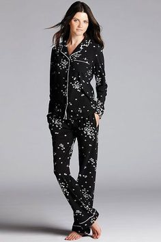 Pictured Simply Vera at Kohls $39.99  30 Perfect Pairs Of Pajamas For Your Next Netflix Marathon #refinery29 http://www.refinery29.com/cute-fall-pajamas#slide27