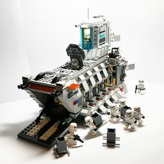 MOD Inspired by Lego Set 75103 Star Wars First Order Transporter Legos, Star Wars Vehicles, Lego Vehicles, Armadura Cosplay, Big Lego, Micro Lego, Lego Sculptures, Lego Army, Amazing Lego Creations