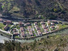 Vista aérea de Bustiello, desde el mirador de Grameo, en el municipio de Mieres ( Asturias-España).// Air sight of Bustiello, from the lookout of Grameo, in the municipality of Mieres (Asturias-Spain).