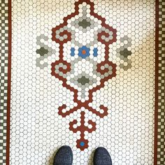 Found this stunner in Chicago's Southside neighborhood of Grand Crossing in a home and barbershop 💈 built in the early Hexagon Tiles, Hexagon Pattern, Hexagon Quilt, Mosaic Patterns, Hex Tile, Penny Tile, Ceramic Mosaic Tile, Style Tile, Quilting Designs