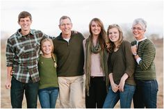 What to Wear in family pictures BY COLOR!  100+ ideas in all colors! Capturing-Joy.com #photography #portraits #photos