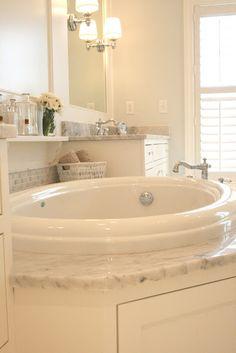 Soaking tub. Enough said.