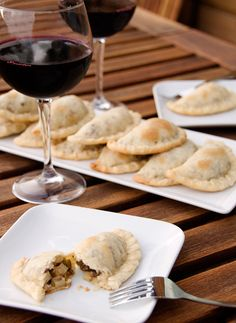 I learned how to make empanadas while in Chile, but have to agree with the author - Argentinian empanadas are better. I really just don't care for the olives in the Chilean version.