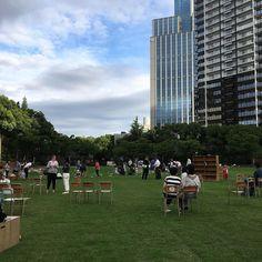 アーバンピクニック東遊園地の芝生全面開放  芝生になって心地よさが増しましたね #kobe #urbanpicnic #アーバンピクニック #アウトドアライブラリー #東遊園地 #神戸