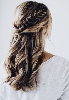 Semi-open Hairstyle – New Semi-Open Hairstyles 2019 … – # Hairstyle … Halboffene Frisur – Neue Halboffene Frisuren – – frisuren – - Unique Long Hairstyles Ideas Fishtail Braid Hairstyles, Open Hairstyles, Box Braids Hairstyles, Hairstyle Ideas, Hairstyles 2018, Loose Wedding Hairstyles, Braided Hairstyles Medium Hair, Braid Hairstyles For Long Hair, Festival Chic