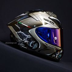 Personal Touch! - ShinAbe Design Motorcycle Helmet Design, Womens Motorcycle Helmets, Cafe Racer Helmet, Racing Helmets, Motorcycle Girls, Ducati Motorbike, Suzuki Motorcycle, Motorcycle Gear, Cool Motorcycles