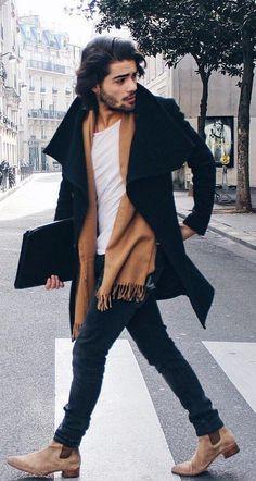 Cachecol Masculino. Macho Moda - Blog de Moda Masculina: CACHECOL MASCULINO OVERSIZED: Você usaria? Cachecol oversized, Moda Masculina, Moda para Homens, Roupa de Homem, Manta Masculina, Cachecol Grande Masculino. Cachecol Marrom, Chelsea Boot, Coat Longo, Casaco Alongado