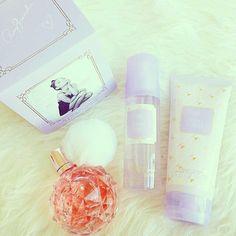 Ariana Grande i jej perfumy. http://womanmax.pl/ariana-grande-perfumy/