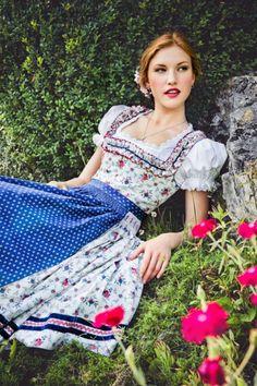 Dirndl Die schönsten Wiesn-Looks von traditionell bis sexy Drindl Dress, Trends 2016, German Fashion, Mode Boho, Lolita, Traditional Dresses, High Waisted Skirt, Lingerie, Fashion Outfits
