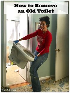 How to remove an old toilet. Don't feel like you have to hire professionals to remove and replace your toilet when doing a bathroom makeover. Here's how you can do it yourself and save money. | Thrift Diving