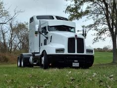 Big Rig Trucks, Semi Trucks, Cool Trucks, Cool Cars, Gmc Motorhome, Freight Truck, Kenworth Trucks, Heavy Truck, Weird Cars