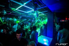 Philly's nightlife is exciting and offers different kind of entertainment, depending on your mood - from popular disco clubs to glamorous lounges and hip-hop bars.