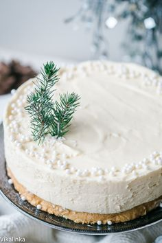 22 Best Christmas Cake Recipes For Your Holiday Dessert Table Watch me make a Valentine's version of this White Christmas Truffle Cake and see how easy it is! I've lived through quite a few white Christmases in my lifetime although not lately but there is Best Christmas Desserts, Christmas Truffles, New Year's Desserts, Dessert Recipes, Cake Recipes, Dessert For Christmas Dinner, Easy Christmas Cake, Chocolate Christmas Cake, Jewish Desserts