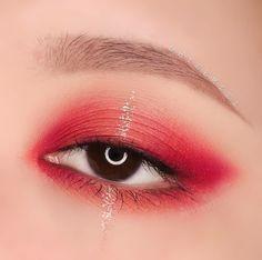 Read more about everyday eye makeup Red Makeup, Eye Makeup Art, Cute Makeup, Girls Makeup, Pretty Makeup, Makeup Inspo, Makeup Inspiration, Beauty Makeup, Makeup Looks