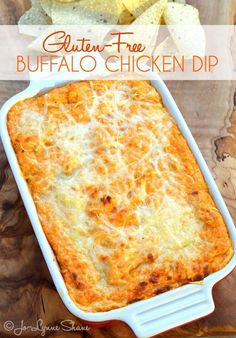 Gluten-Free Buffalo Chicken Dip: You better double it. This dip does NOT sit around for long! I have a SECRET that makes this THE BEST Buffalo Chicken Dip you've ever had. Trust me. You will NEVER go (Chicken Dip) Gluten Free Appetizers, Gluten Free Snacks, Foods With Gluten, Appetizer Recipes, Gluten Free Potluck, Gluten Free Party Food, Free Food, Gf Recipes, Gluten Free Recipes