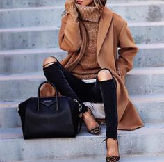 I'm just loving camel coats today😎 @lolariostyle @best__outfits__  #camelcoat #cameljackets #coats #jackets #fblogger #fashion #brownjacket #browncoat #fashionista #fashionistas #outfit #outfits #style #trends #trendy