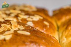 Τα Τσουρέκια της ΖΑΝΑΕ (μέρος 1o) Food, Cakes, Cake Makers, Essen, Kuchen, Cake, Meals, Pastries, Yemek
